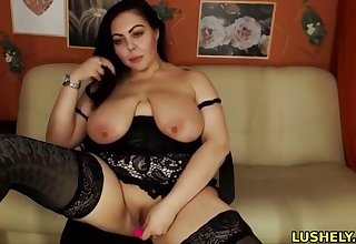Hot fatty babe loves to fuck say no to juicy pussy with lovense